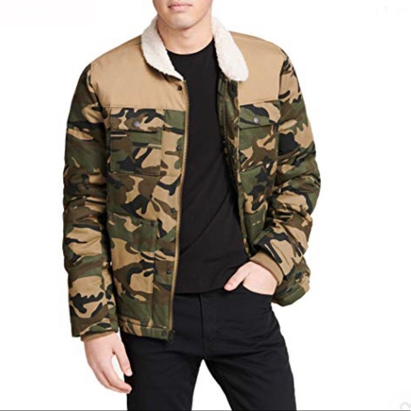 Levi's Mens Quilted Shirttail Trucker Jacket